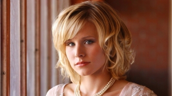 Kristen Bell Says Hulu's 'Veronica Mars' Revival Is 'Exactly What The World Needs Right Now'