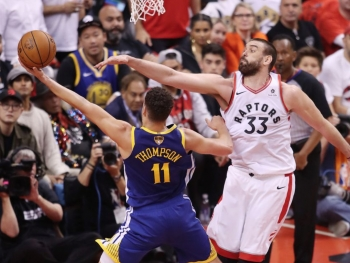 NBA Finals: Golden State Warriors Beat the Toronto Raptors to Extend Series, Kevin Durant Goes Down