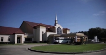 Some U.S. churchgoers defy stay-at-home order