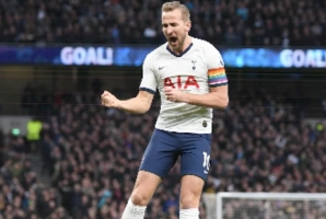 Premier League: Van der Vaart Implores Harry Kane to Stay at Tottenham