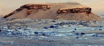 Ancient Mars lake could be hiding fossilized signs of alien life